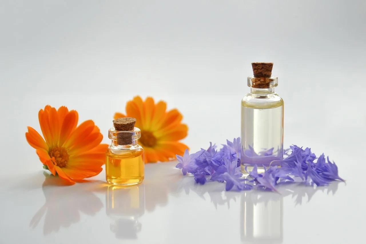 Apprendre à utiliser les huiles naturelles pour prendre soin de ma peau